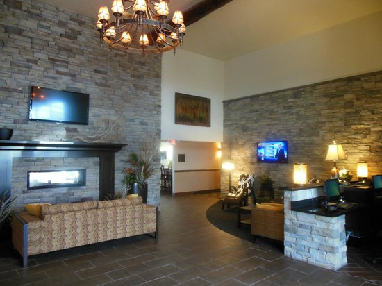 Midvale, UT: LOBBY COPPER & FIREPLACE FEATURE THE AREA MATERIALS