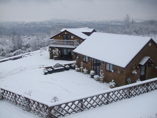Merthyr Tydfil, UK: Winchfawr Lodges at Christmas