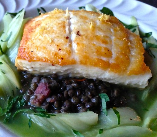 Hermiston, OR: Fresh Halibut on French Lentils, Fennel & Basil Pistou