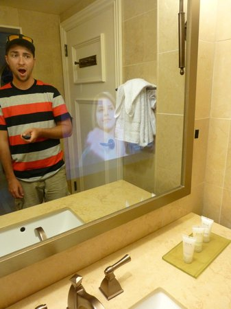 Caesars Atlantic City: TV in the mirror!!
