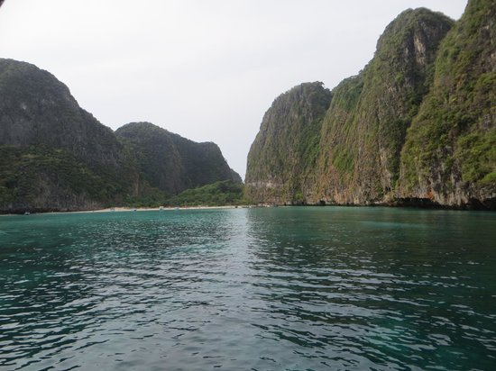 Maya Bay Sleep Aboard: Secluded