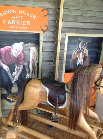 Bedale, UK: A blacksmith's shop and horse to ride on..