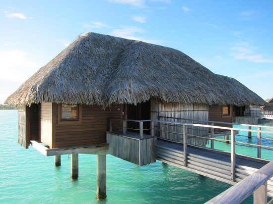 Four Seasons Resort Bora Bora: over water bungalow