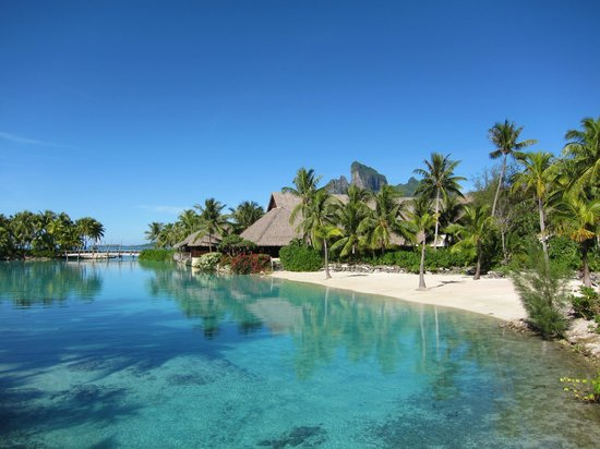 Four Seasons Resort Bora Bora: View of hotel lagoon