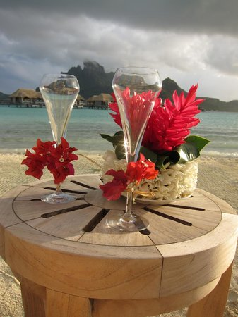Four Seasons Resort Bora Bora: Ultimate Romantic Dinner