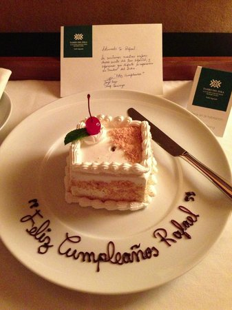 Tambo del Inka, a Luxury Collection Resort & Spa: My birthday cake!!