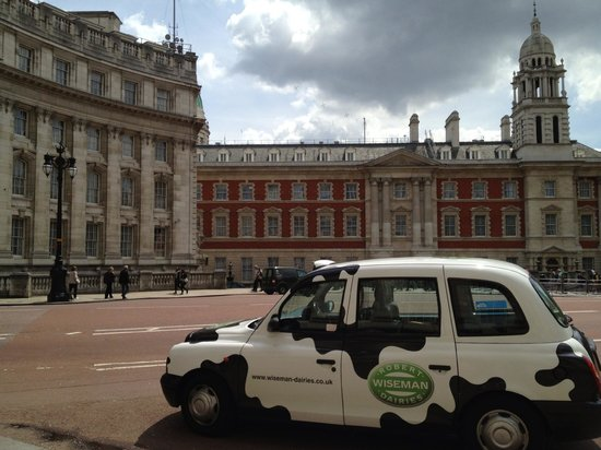 Victoria London Taxi Day Tours
