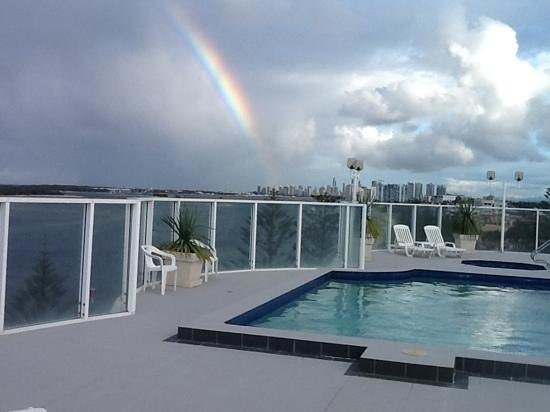 Biggera Waters, Australia: Rooftop pool view of the 'Pot of Gold' Coast at the end of the rainbow