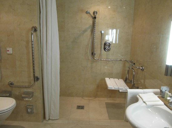 handicap shower picture of radisson blu hotel krakow tripadvisor. Black Bedroom Furniture Sets. Home Design Ideas