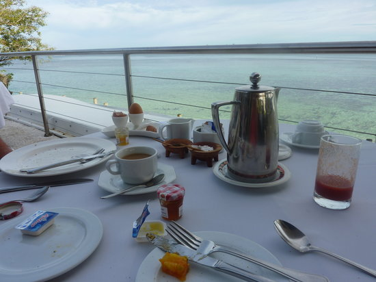 Shangri-La's Fijian Resort & Spa: Breakfast at Golden Cowrie restaurant