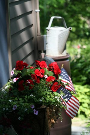 Roseledge Country Inn and Farm Shoppe: All american