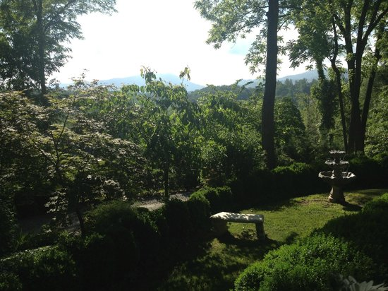 Biltmore Village Inn: Beautiful Porch View
