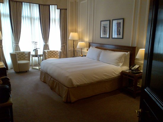 Claridge's: Bedroom