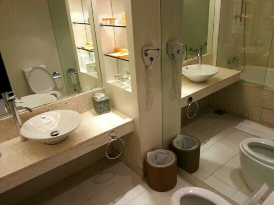 Lagoi, Indonesia: spacious toilet