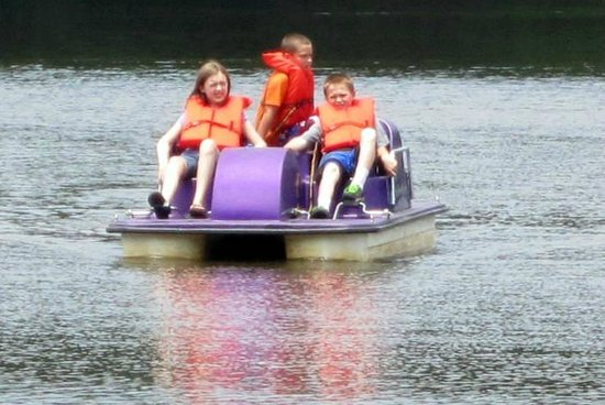 Salisbury, Kuzey Carolina: Paddle Boats at the Lake