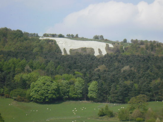 Kilburn, UK: The Famous White Horse