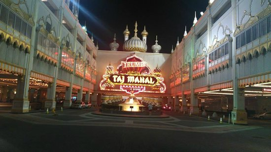 Entrance to the Trump Taj Mahal