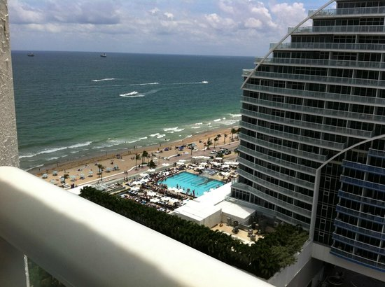 Hilton Ft Lauderdale Beach Resort: View of the Ocean