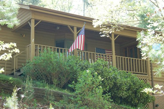 Long Mountain Lodge: The Cabin on Long Mountain - private 3BR/2BA vacation home with a view