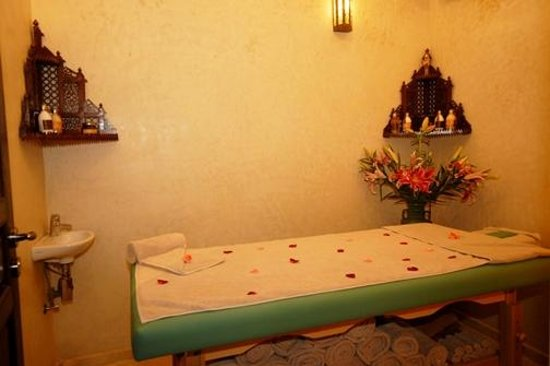 Riad Kniza: Massage Room