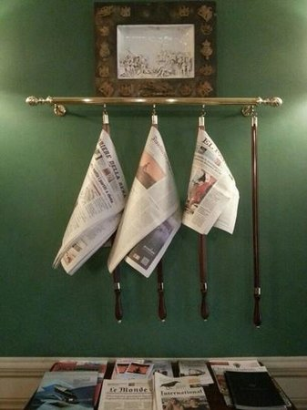 Santa Maria Novella Hotel: Daily papers.