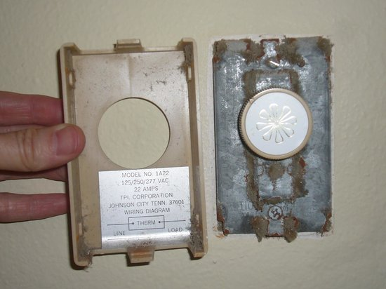 Fireside Motel: Rusted thermostat