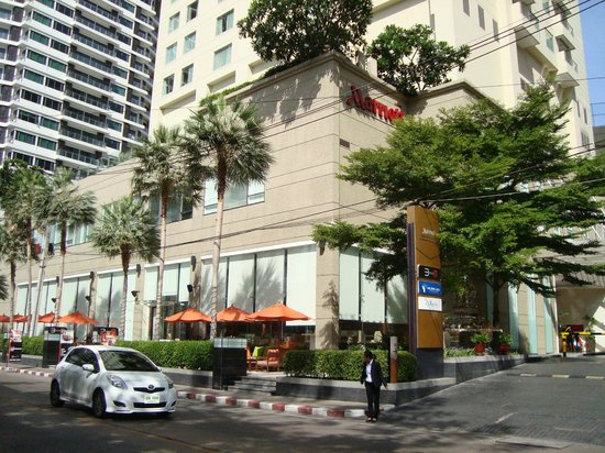 Sukhumvit Park, Bangkok - Marriott Executive Apartments: Outside view