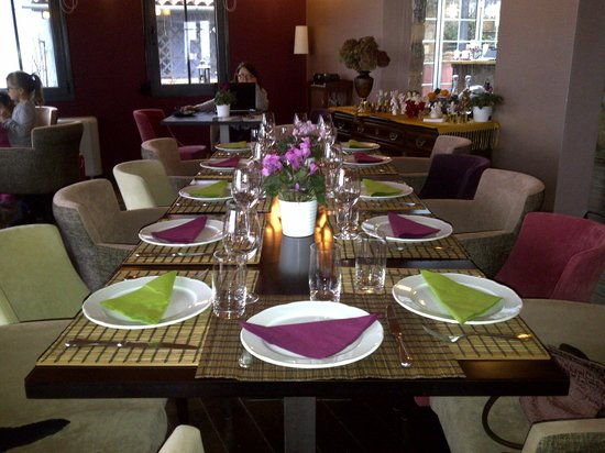 Table Setting For Lunch : lunch table setting - Picture of Astra Hotel, Kastania - TripAdvisor