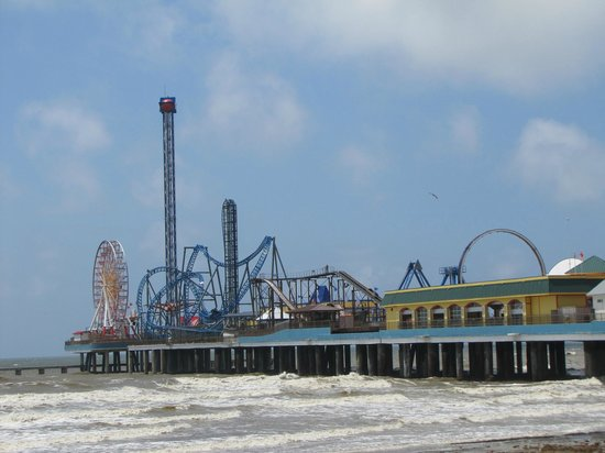 ‪‪Galveston Island‬, تكساس: View of the Pier from the Seawall‬