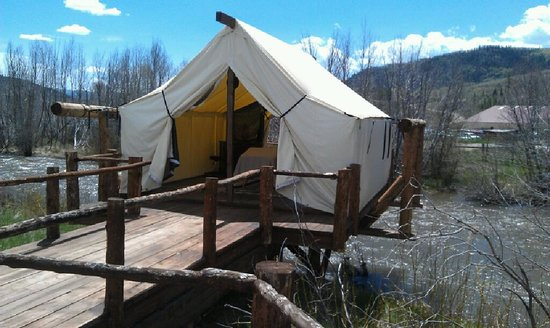 C Lazy U Ranch: Spa tent - Massage & Facial