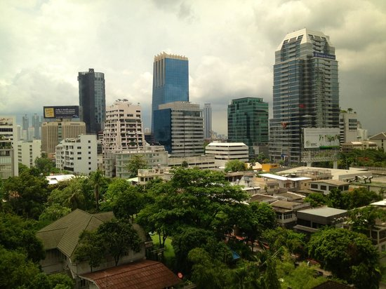 Bandara Suites Silom : Room 909 view