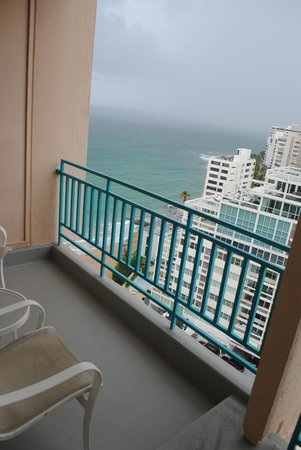 Marriott San Juan Resort & Stellaris Casino: Partial Ocean View from the first balcony