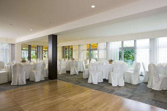 Auberge & Spa West Brome: Banquet room