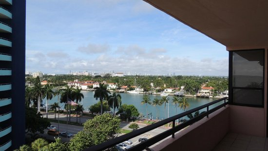 The Alexander All-Suite Oceanfront Resort: View from the room balcony, wonderful!