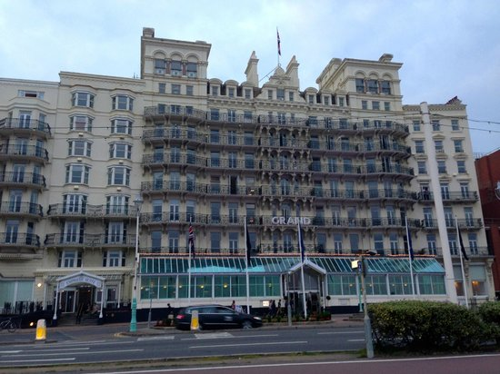The De Vere Grand Brighton : The front of The Grand
