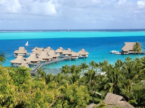 Hilton Bora Bora Nui Resort & Spa: View from the Hina Spa
