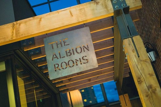 Novotel Ottawa: The Albion Rooms restaurant exterior entrance