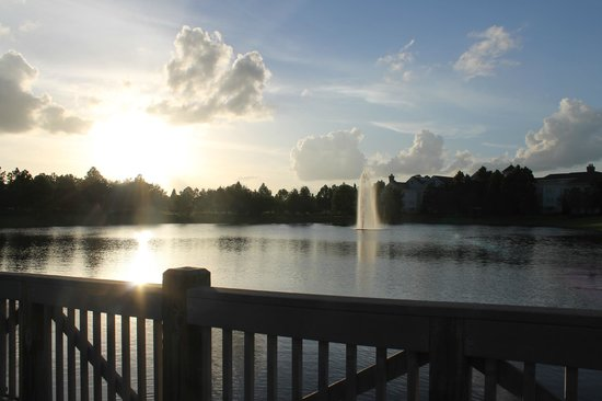 Disney's Saratoga Springs Resort & Spa: Walk from room to Hospitality House!