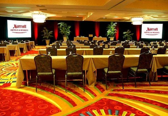 St. Petersburg Marriott Clearwater : Grand Ballroom - Classroom Setup