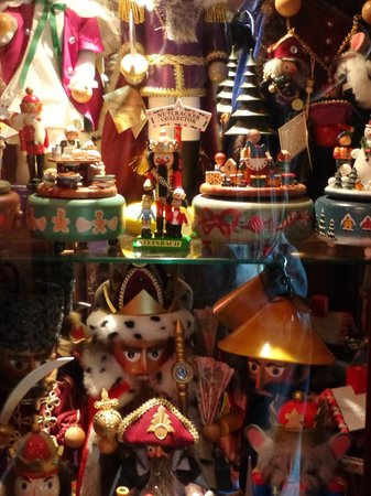 Albert Stevens Inn: Nutcracker collection
