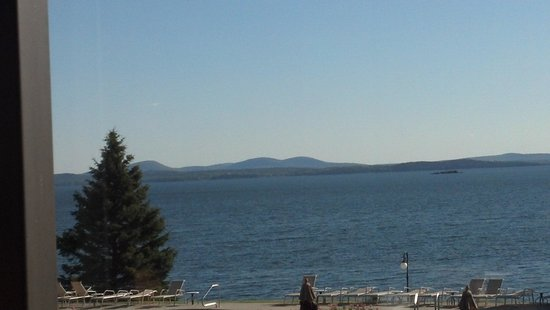 Holiday Inn Bar Harbor Regency: View from restaurant Holiday Inn