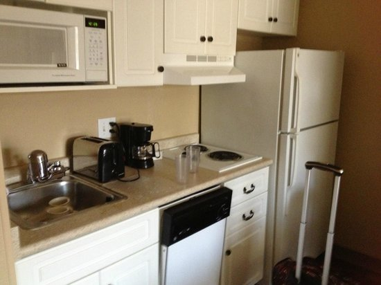 Extended Stay America - Washington, D.C. - Fairfax: a full equipped kitchenet