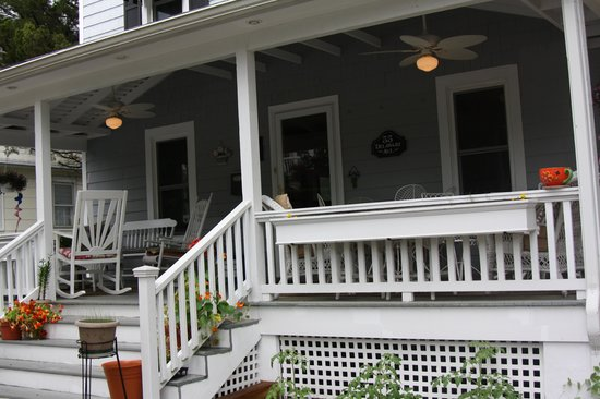 Delaware Inn at Rehoboth: Porch