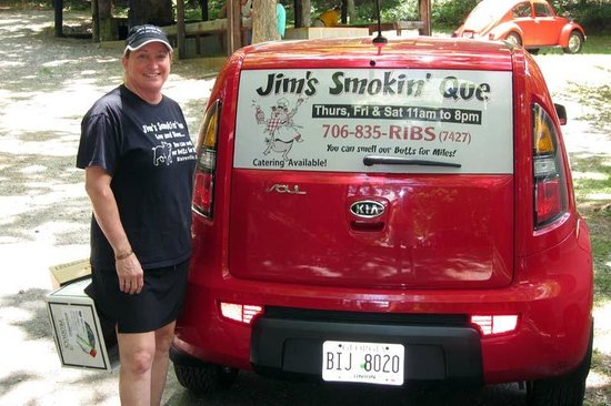 Blairsville, Géorgie : Donna Guess-Owner of Jim's Smokin' Que