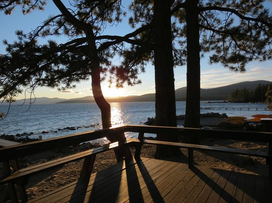 Tahoe Vista, Kaliforniya: The deck overlooking the Lake