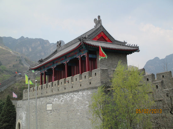 Great Wall at Huangya Pass (Huangyaguan Changcheng): Temple on great ...