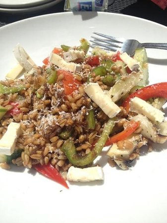 Independence, MO: farro salad