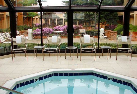 Glenview, IL: Indoor Spa