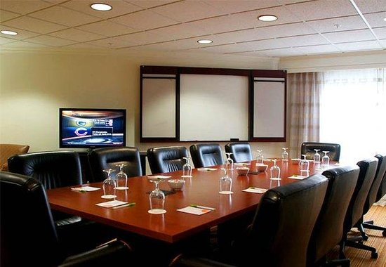Hickory, NC: Executive Boardroom