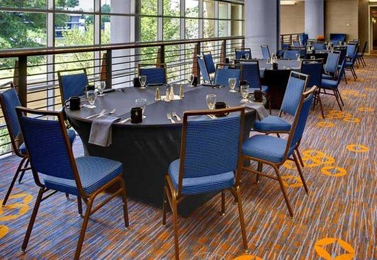 Courtyard by Marriott Atlanta Buckhead: Pre-Function Area
